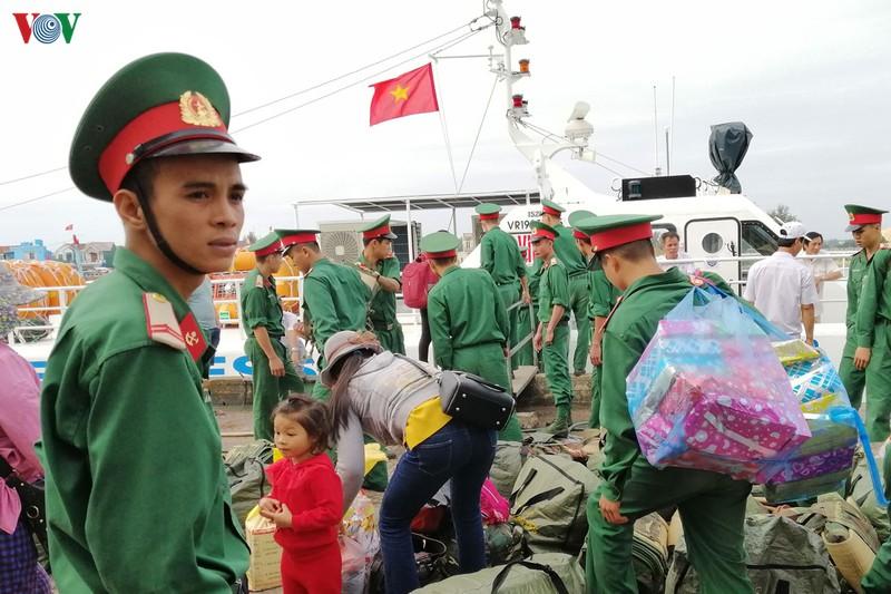 Cảng Sa Kỳ, TP Quảng Ngãi ngày cuối năm.