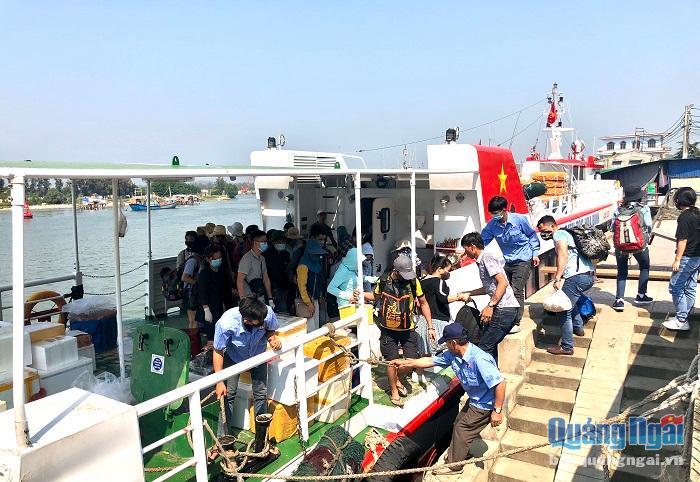 Quảng Ngãi cho tuyến vận tải Sa Kỳ- Lý Sơn hoạt động chở khách du lịch nội địa trở lại trong dịp 30.4-1.5 tới