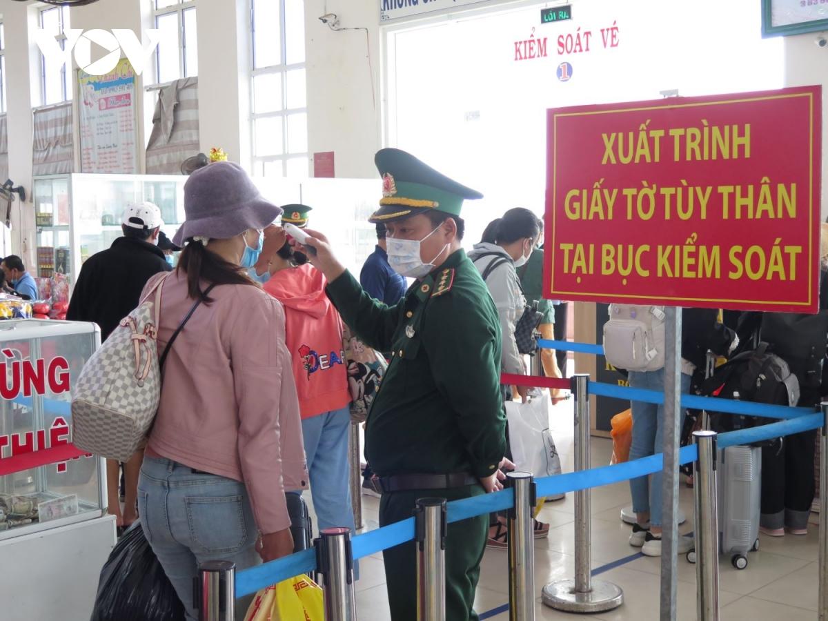 Kiểm soát chặt khách ra đảo Lý Sơn.